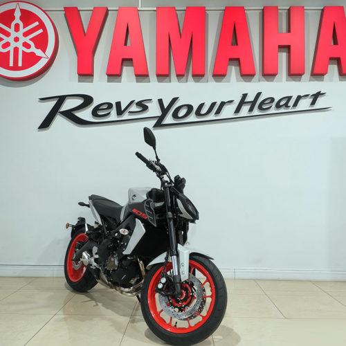 YAMAHA MT 09